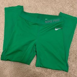 Nike Oregon Green Crop Leggings Sz M